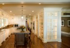 Двери в подсобную на кухне