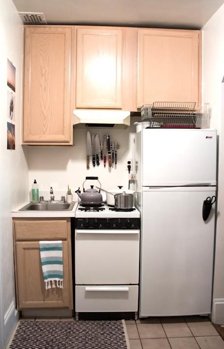 Компактный дизайн маленькой кухни