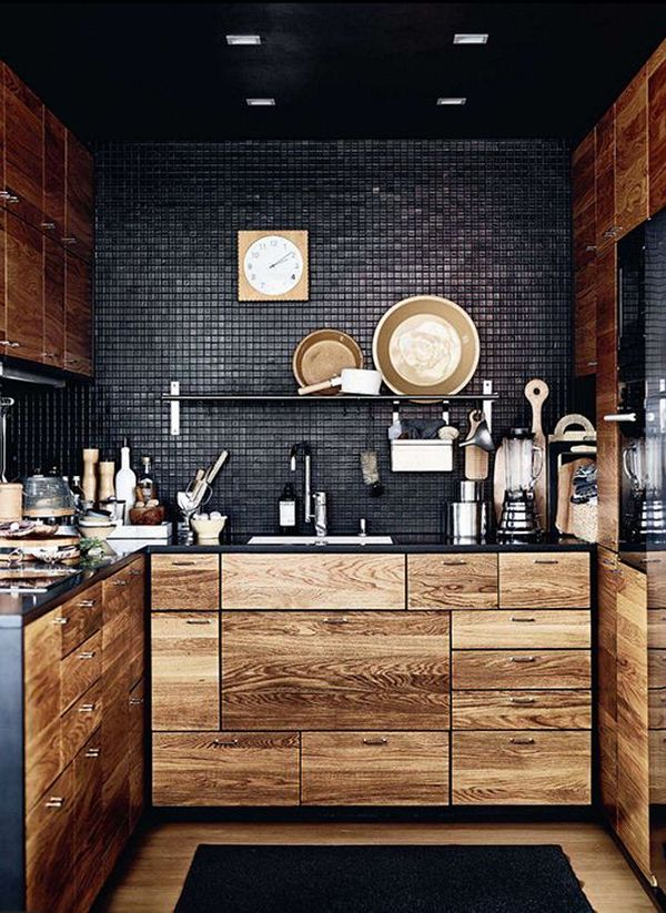 Черная стена и потолок на кухне