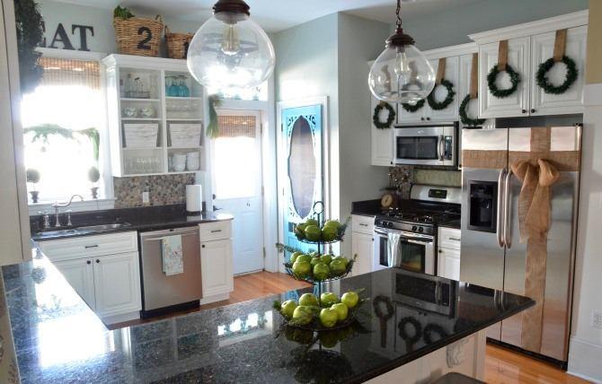 Декор кухни с использованием венков