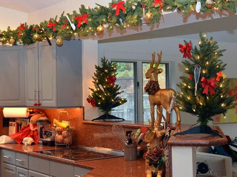 Рождественское украшения кухни