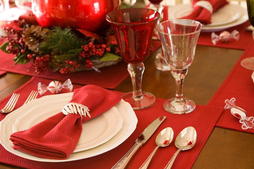 Сервировка стола в рождественской тематике