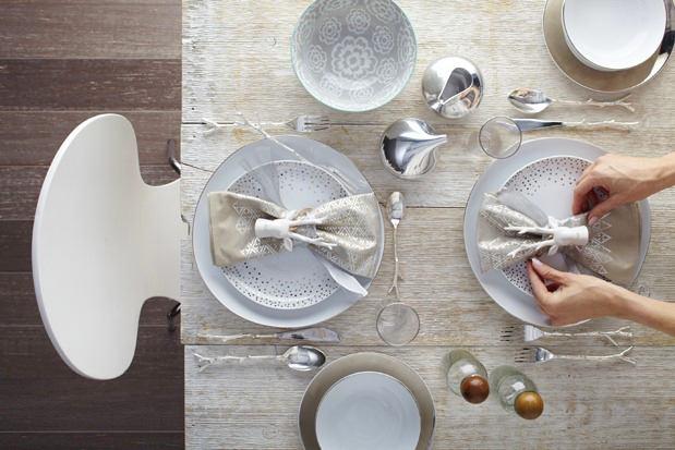 Красивые салфетки на праздничном столе