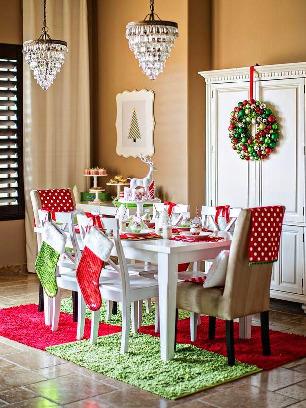Новогоднее украшения в столовой