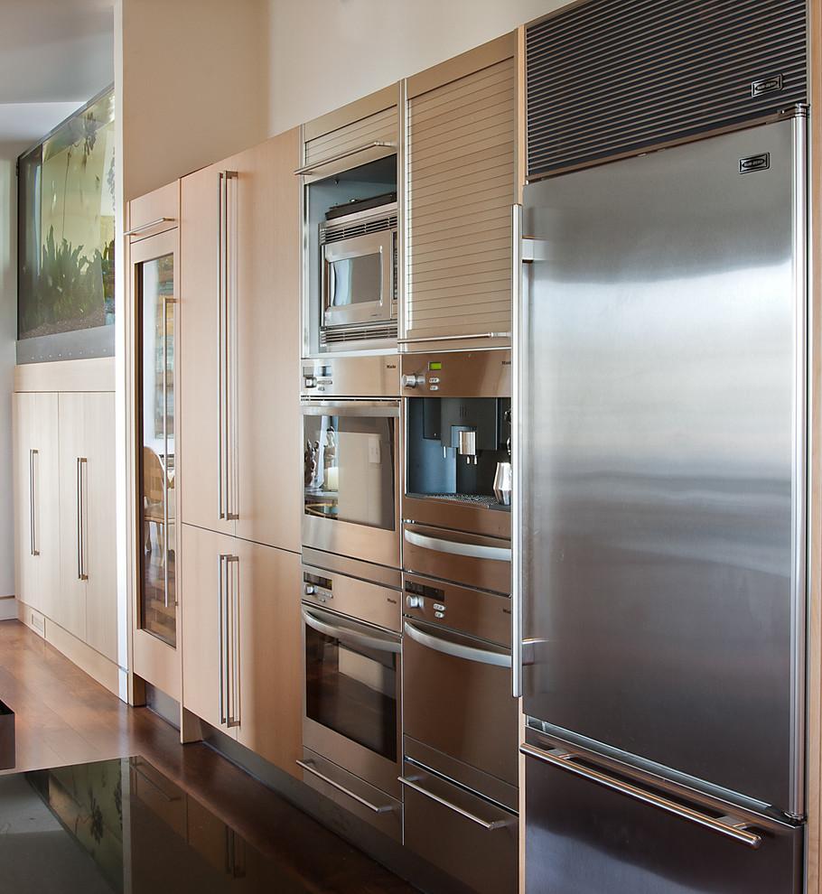 Встроенная кухонная техника в интерьере кухни от modern house architects