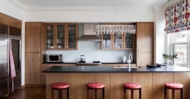 Стильный дизайн интерьера кухни от GSW Cabinetry Inc.