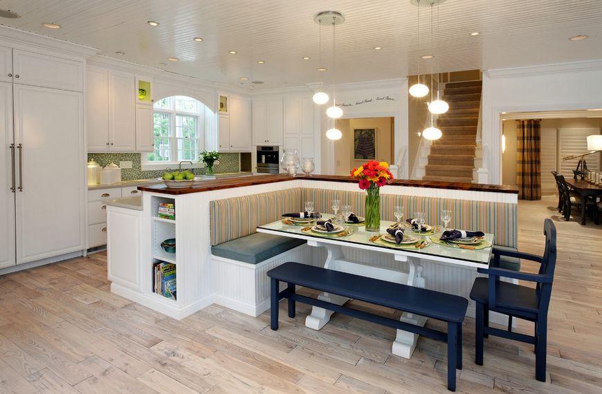Оригинальная угловая скамейка со спинкой в стильном интерьере кухни