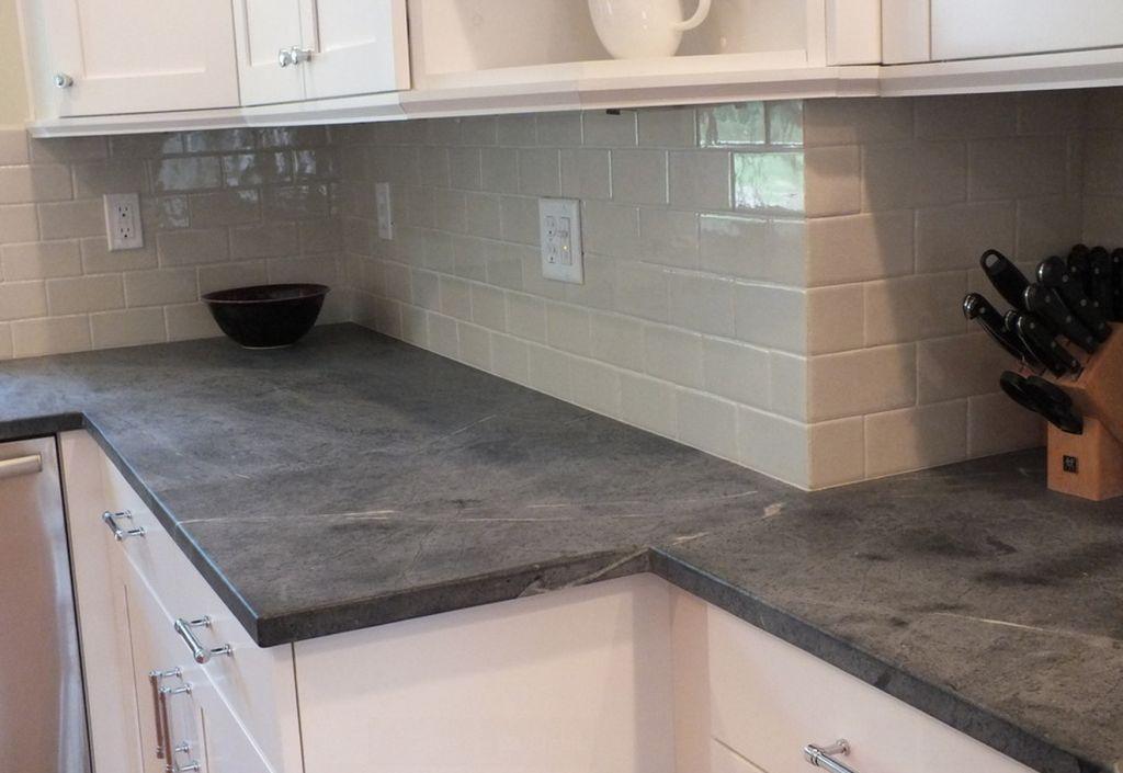 Рабочая поверхность на кухне из мыльного камня