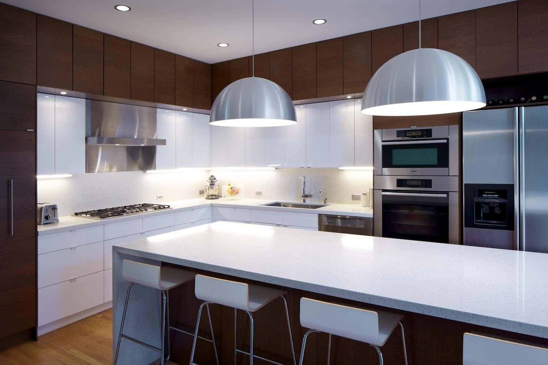Куполообразные светильники из металла на кухне
