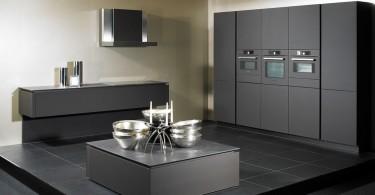 Современная бытовая техника в стильном интерьере кухни от Paul Anater