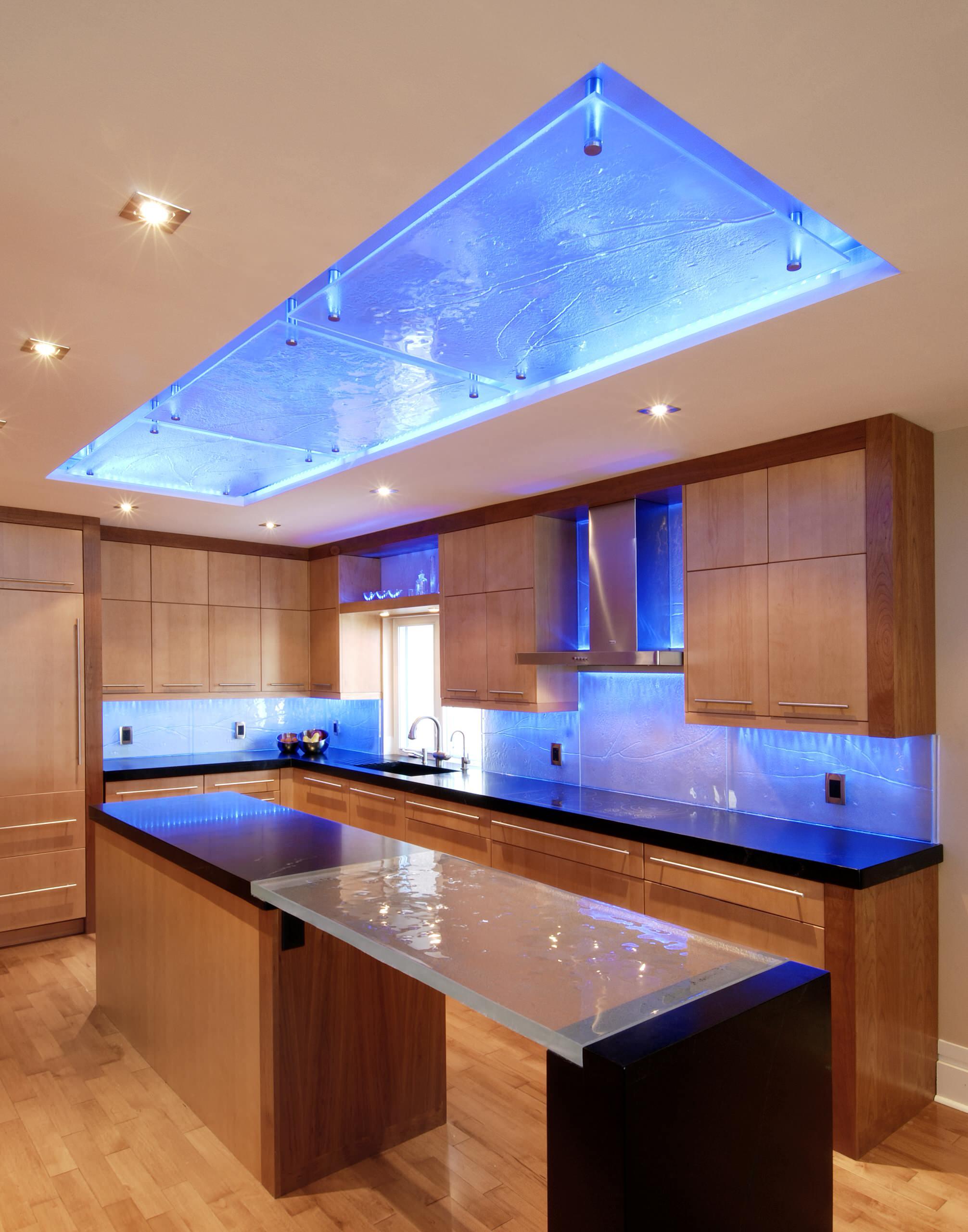 Освещение кухни LED-лампами