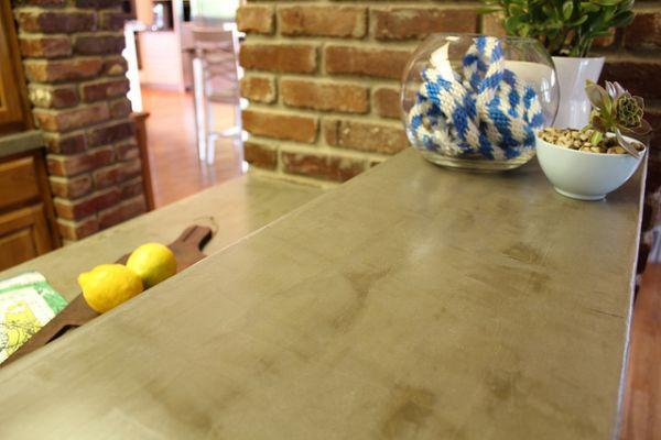 Ламинированная столешница на кухонной рабочей поверхности