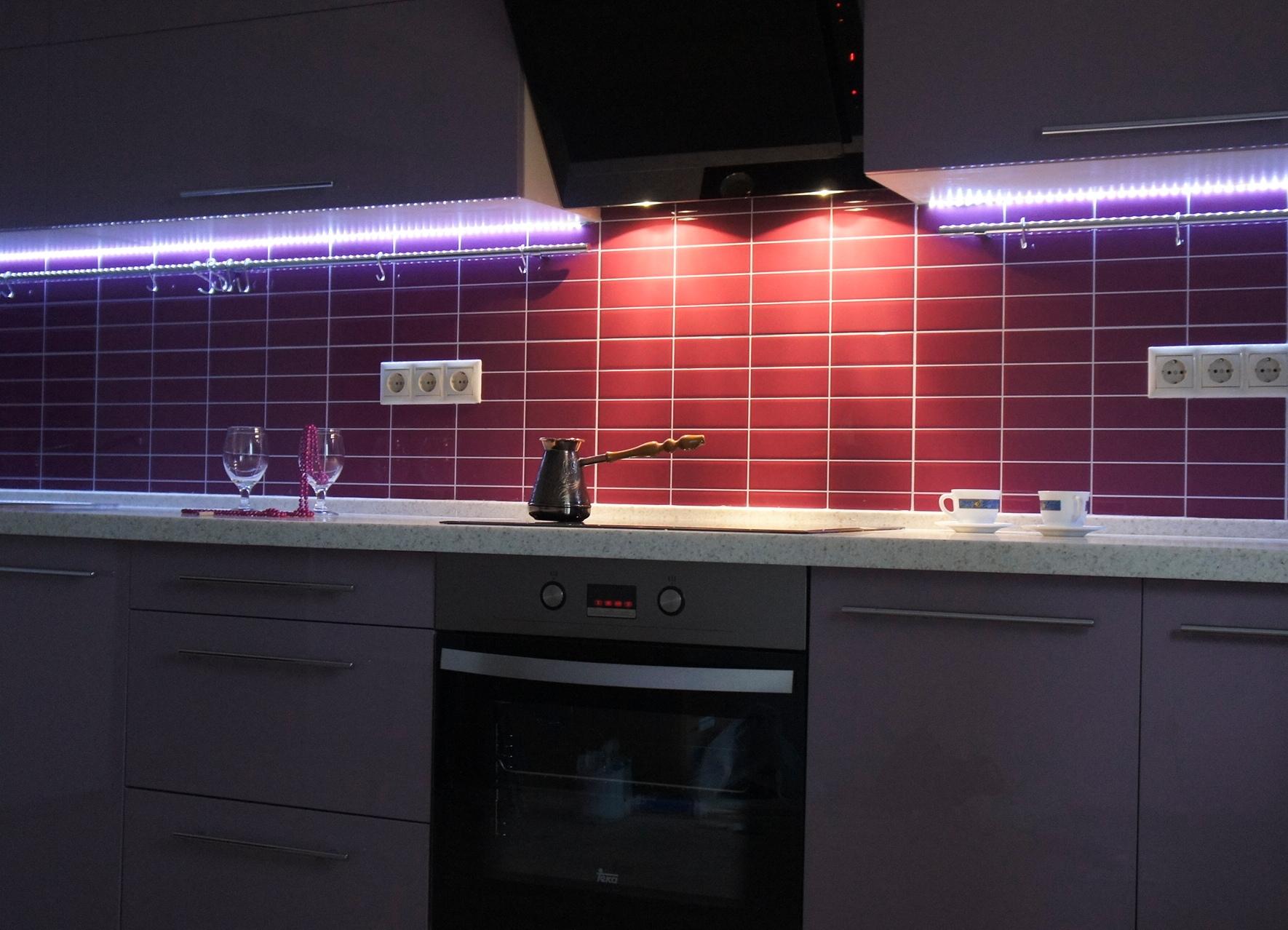 LED-лампы в освещении кухонной рабочей зоны