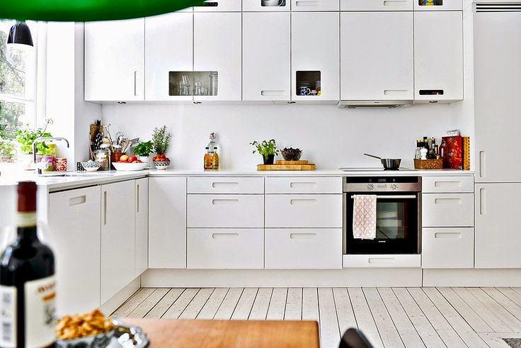 Скандинавский стиль в интерьере кухни с дощатым полом