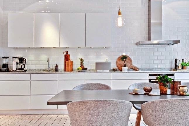 Кухонный фартук в белом цвете