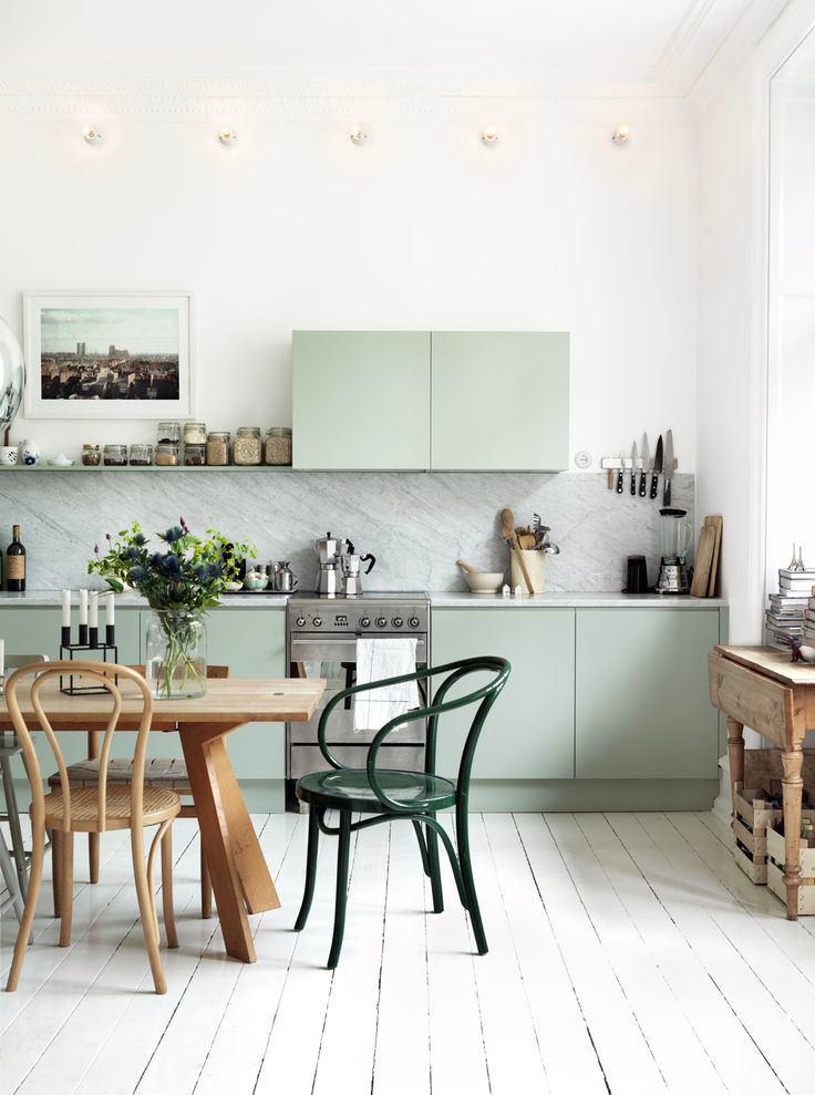 Зеленоватый цвет кухонной мебели