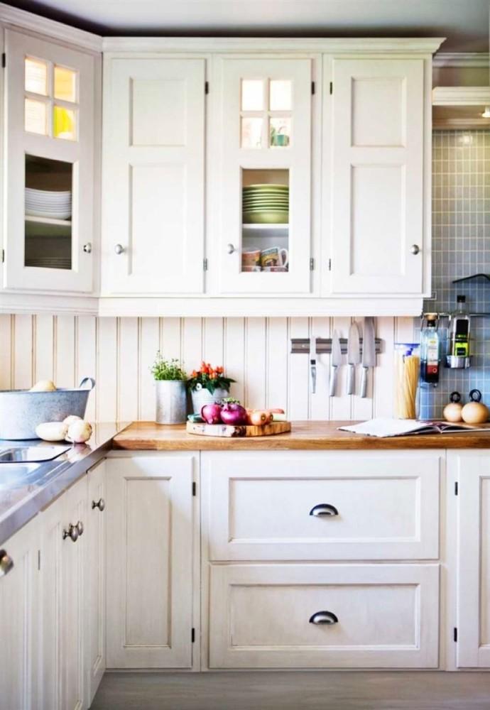 Оформление белой кухни в американском стиле