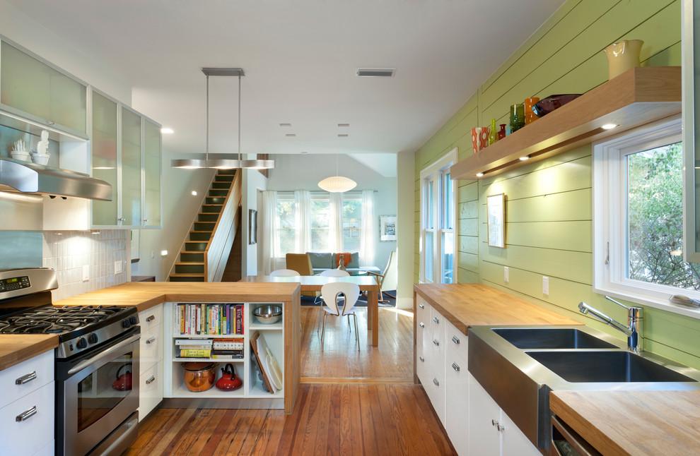Современный дизайн кухонной раковины от Rick & Cindy Black Architects