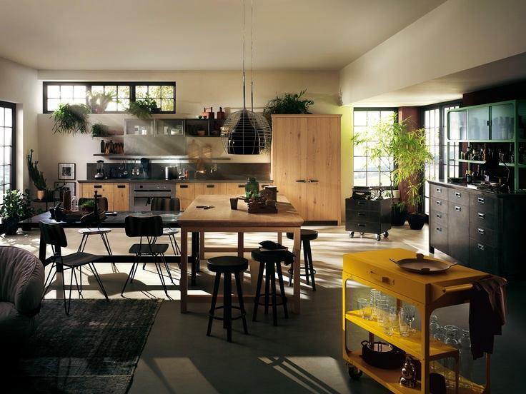 Индустриальные лампы на кухне