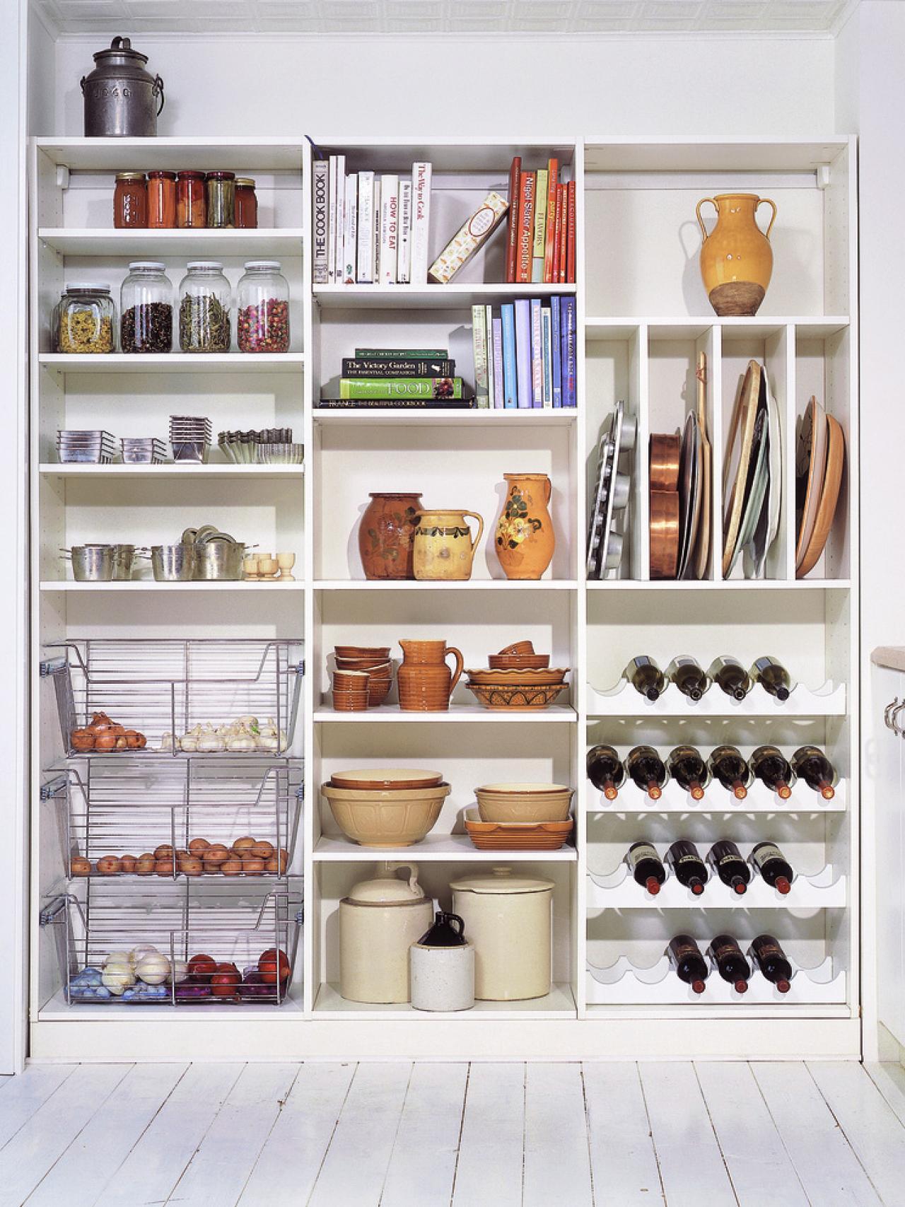 Креативный дизайн системы хранения кухонной посуды и мелких аксессуаров от California Closets HQ