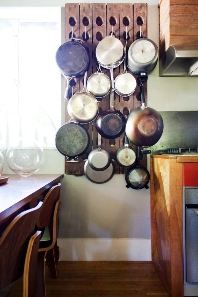 Системы хранения для кухни - деревянная панель для кухонного инвентаря