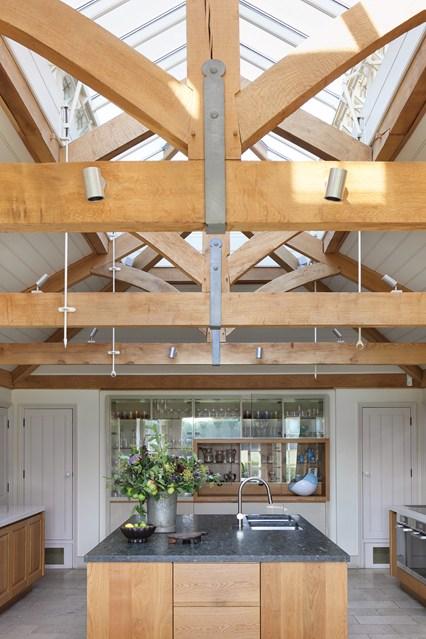 Потолочные окна на кухне