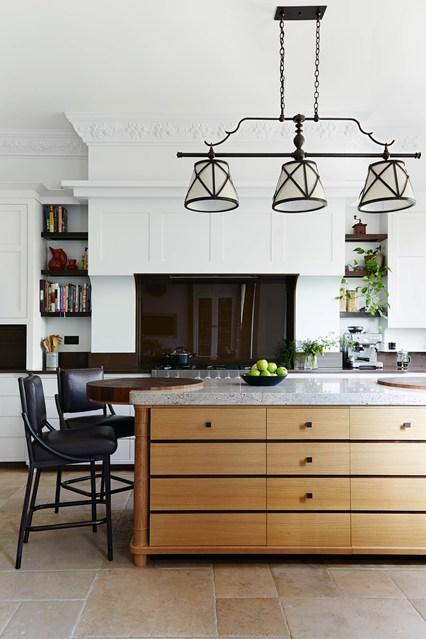 Белоснежный интерьер кухни