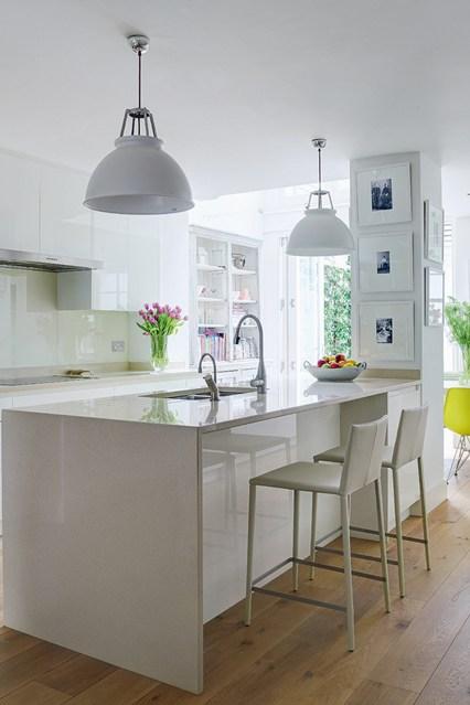 Акриловая поверхность на кухне