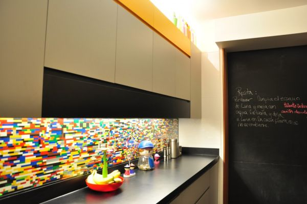 Мозаичная плитка на кухонном фартуке