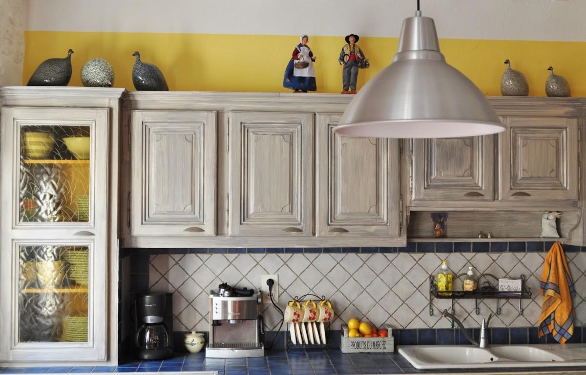 Фасады кухонной мебели из дерева