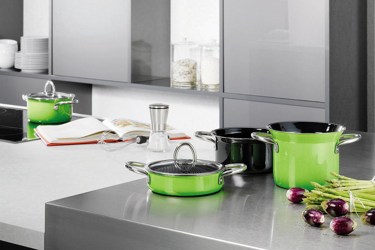 Зеленый набор посуды