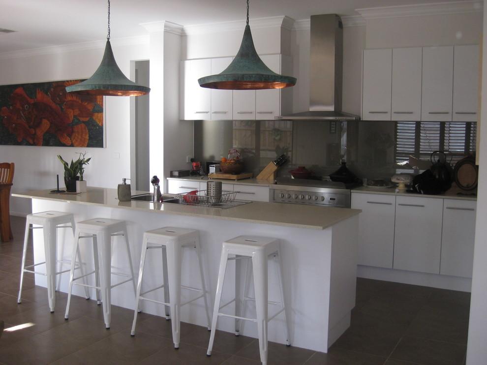 Необычные светильники на кухне
