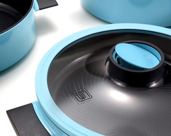 Комплект посуды от Vacimi: инновационная крышка на кастрюле