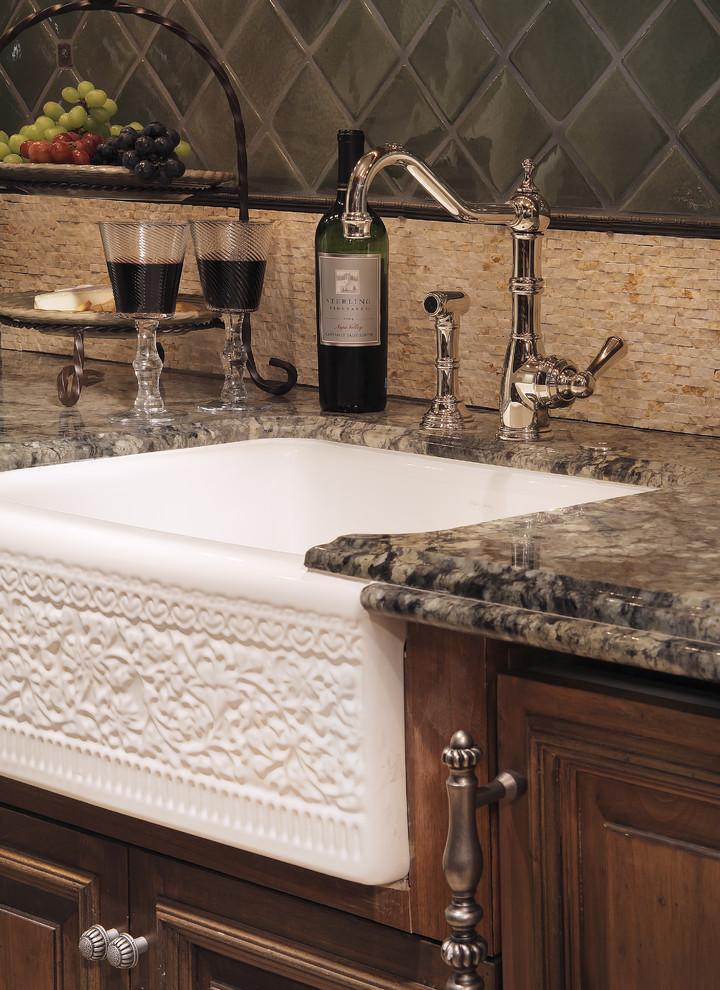 Винтажная кухонная раковина с выступающим фасадом от Carson Poetzl, Inc.