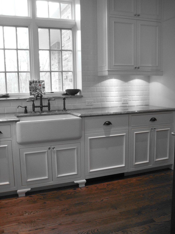 Винтажная кухонная раковина с выступающим фасадом от Becker Architects Limited