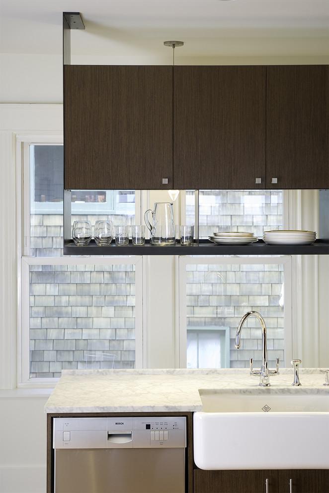 Винтажная кухонная раковина с выступающим фасадом от BAAN design