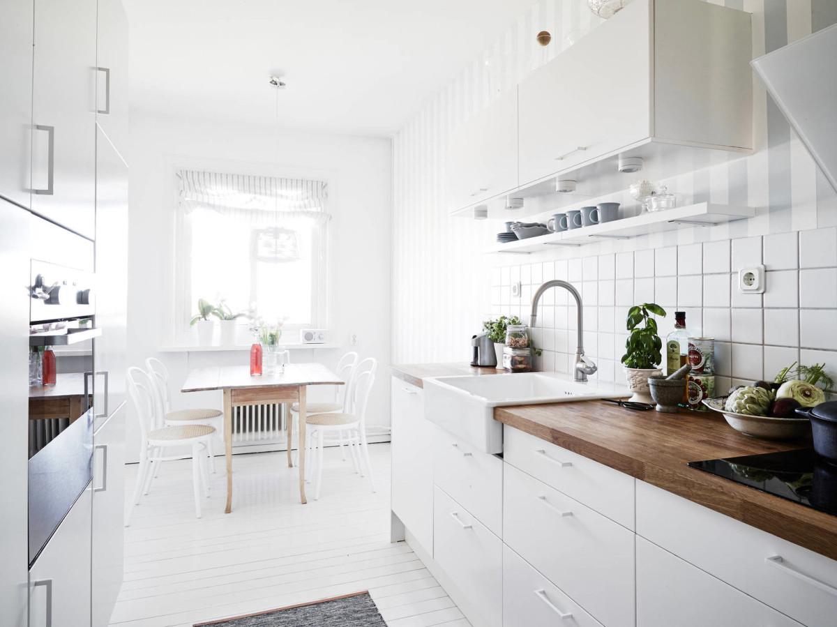 Белый в интерьере кухни