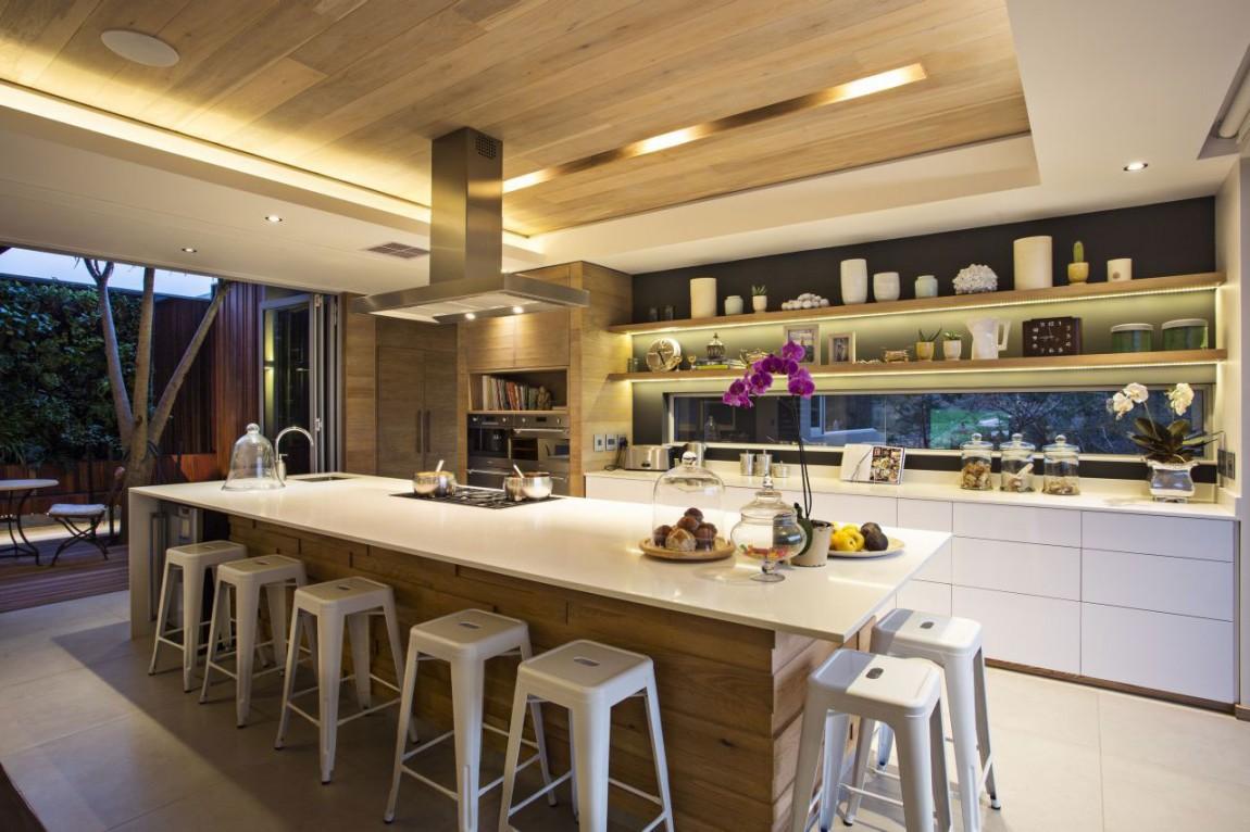 Интерьер стильной современной кухни