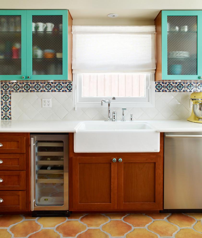 Несколько вариантов плиток в одной кухне