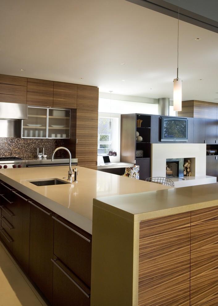 Окрашенная бетонная столешница песочного цвета в интерьере кухни из натурального дерева