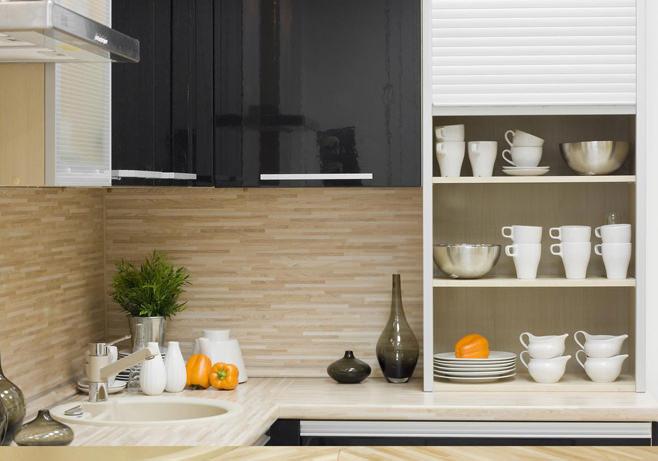 Оригинальный дизайн фартука из МДФ в интерьере кухни