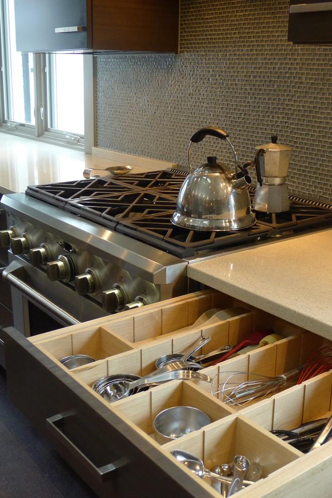 Шкаф для хранения кухонной утвари