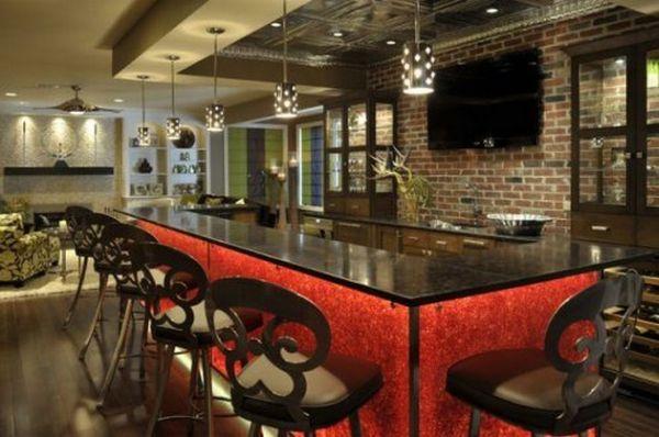 Экстравагантный красно-черный бар