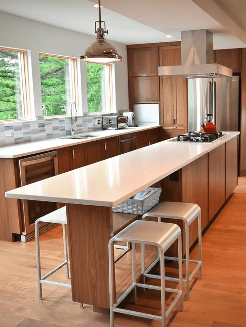 Длинный кухонный остров