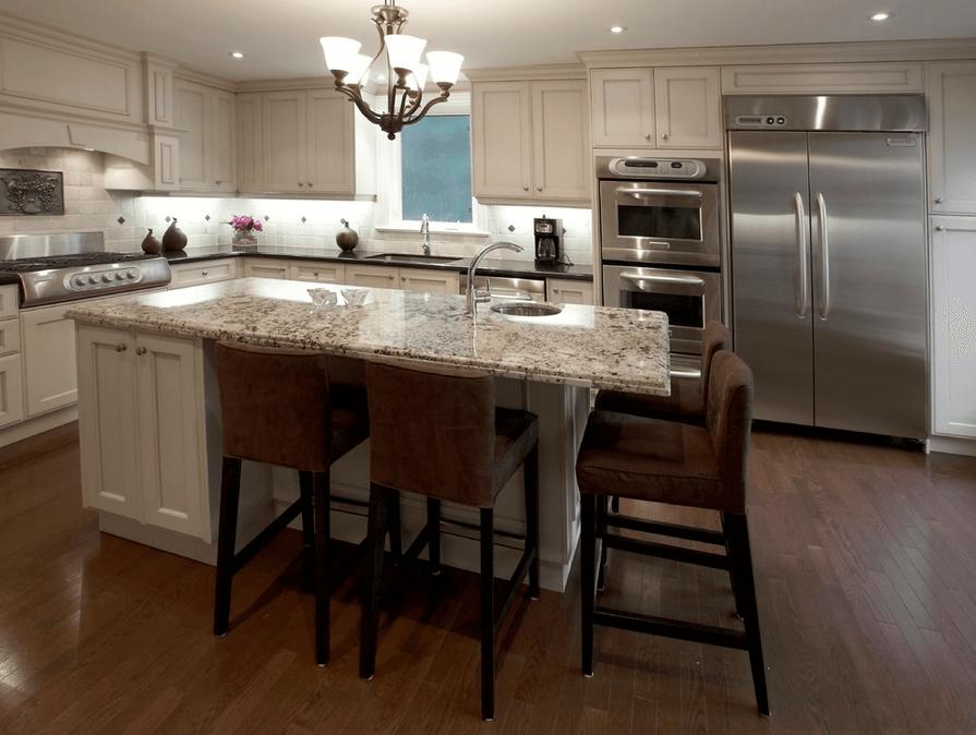 Узорчатая столешница на кухонном острове