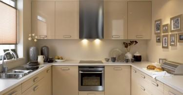 Великолепный дизайн интерьера кухни в бежевой гамме