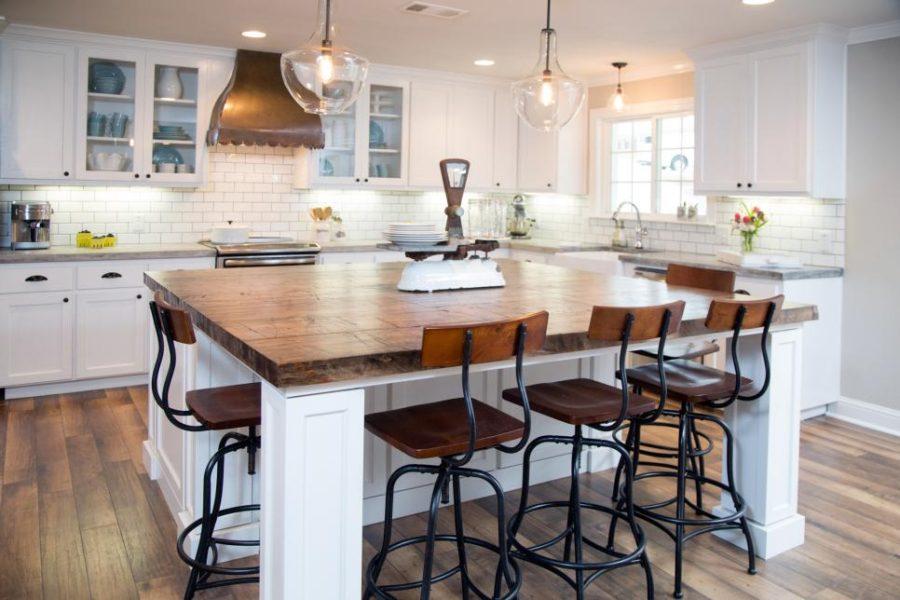 Белые кухни: декор в ретро стиле