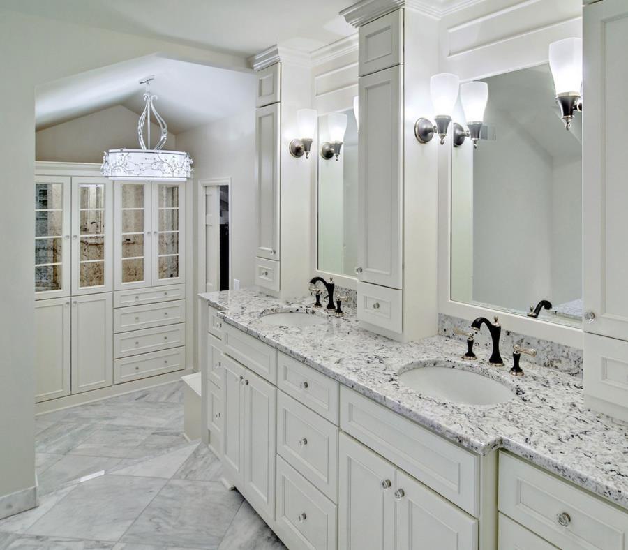 Белые столешницы в ванной комнате - фото 1