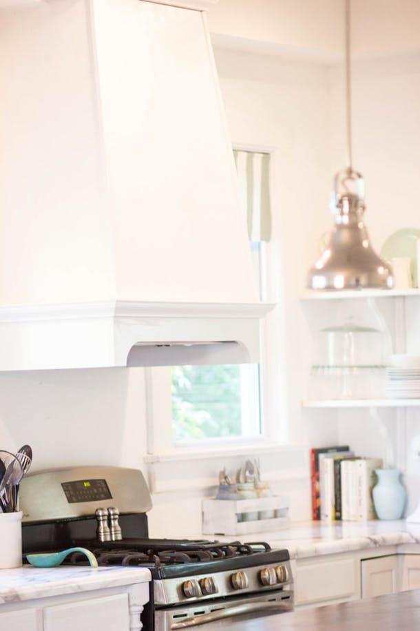 Кухня Амбер в белом цвете