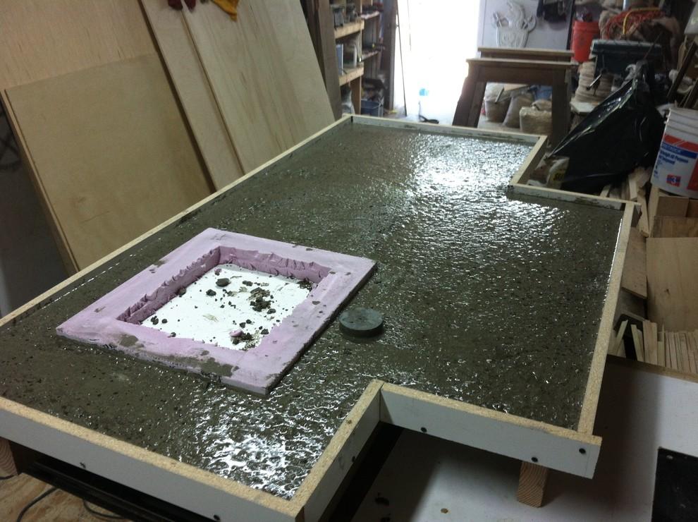 Застывший материал требует заключительной обработки